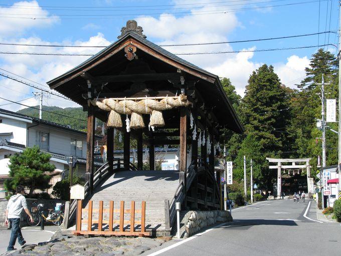 静寂に包まれた境内は日本屈指のパワースポット