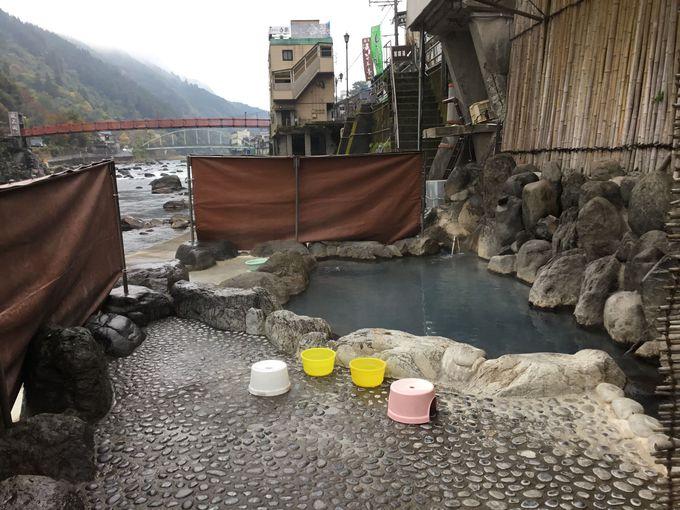 開放的過ぎる露天風呂 大分・天ヶ瀬温泉の共同浴場は普通に河原!?