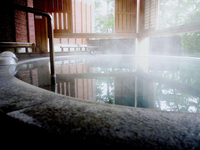 波の音を聴きながら過ごす、至福の湯浴み時間。