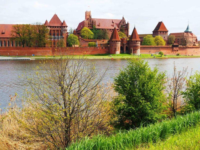 迫力の名城!ポーランドの世界遺産「マルボルク城」