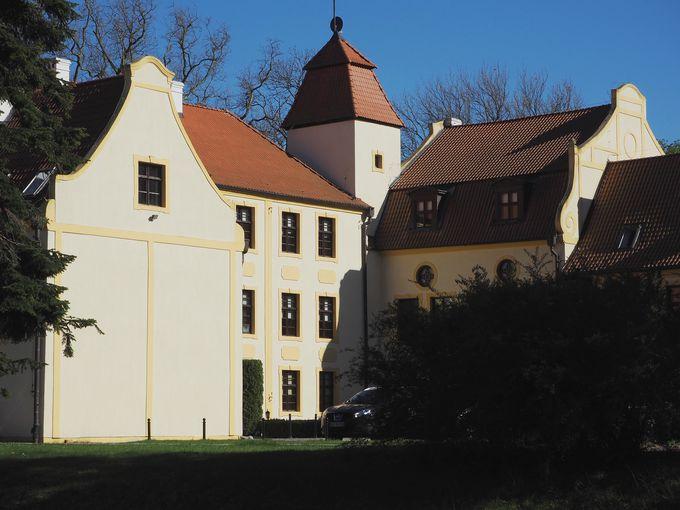 中世から続く由緒正しい貴族の館
