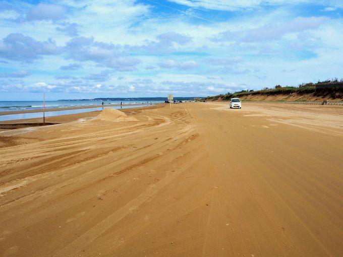 美しいサンドビーチに建つ絶景の宿