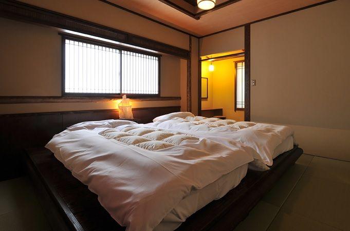 まるで自宅にいるようなリビングエリア&ぐっすり眠れるベッドルーム