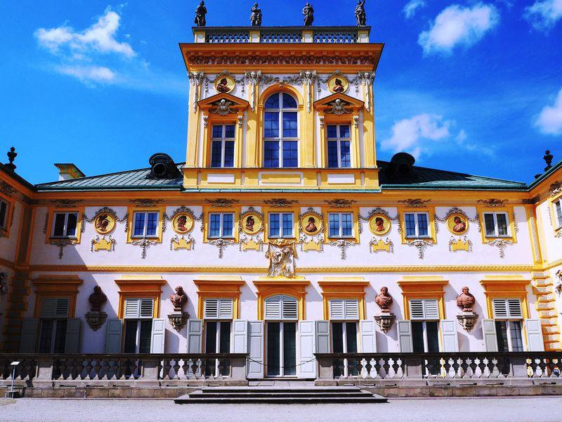 ポーランドのベルサイユ宮殿!?「ヴィラヌフ宮殿」はワルシャワ観光のハイライト