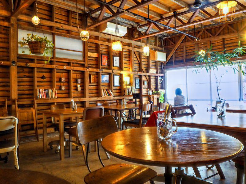 浅草にもあった、大人カッコいいカフェ!「イリヤカフェプラス@カスタム倉庫」