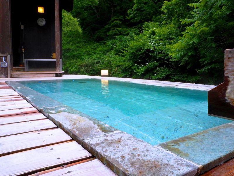 岩手の山里に佇む「山人-yamado-」は全室源泉かけ流しの極上宿!