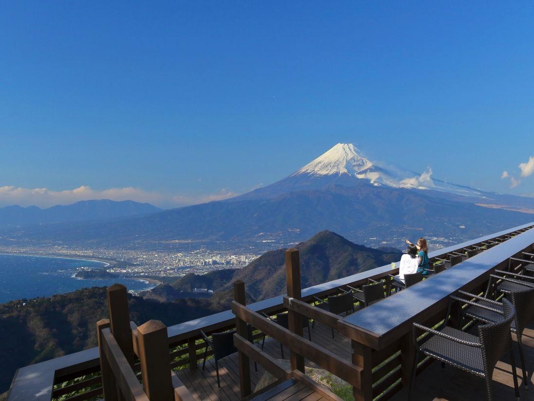 ぜひ訪れたい「富士見テラス」
