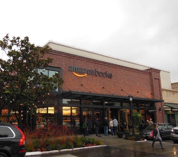 全米が注目、アマゾンの実店舗