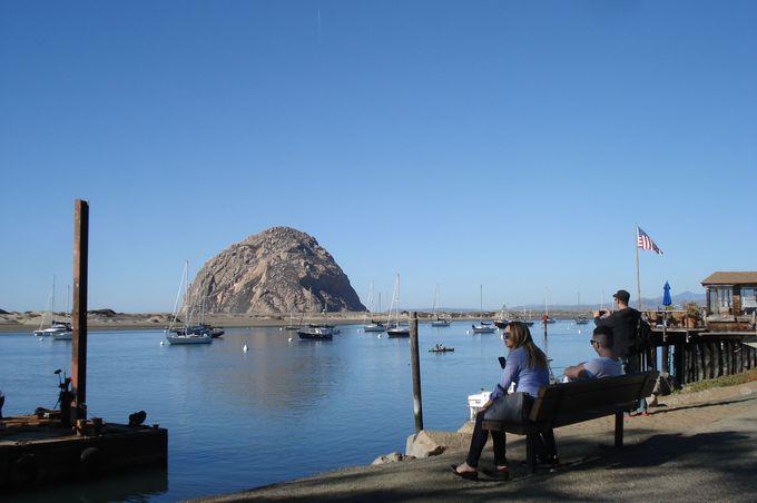 モロベイのランドマークは、巨岩モロロック