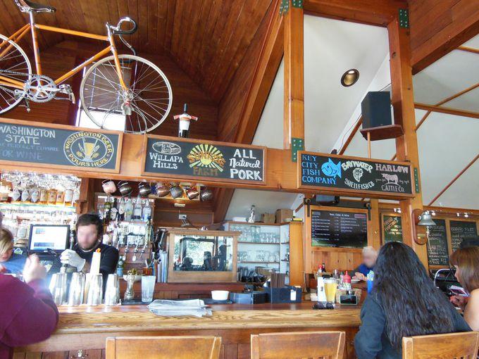島の恵み!グルメなレストランでランチ
