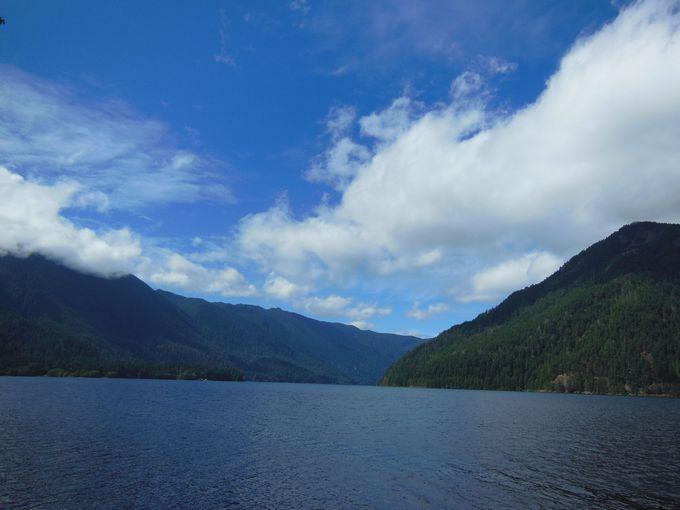 癒しのクレセント湖で、ほっとひと息