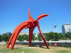 無料で楽しむ!シアトルの水辺のアート「オリンピック彫刻公園」