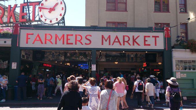 パイクプレイスマーケットの人気店の隣をチェック!
