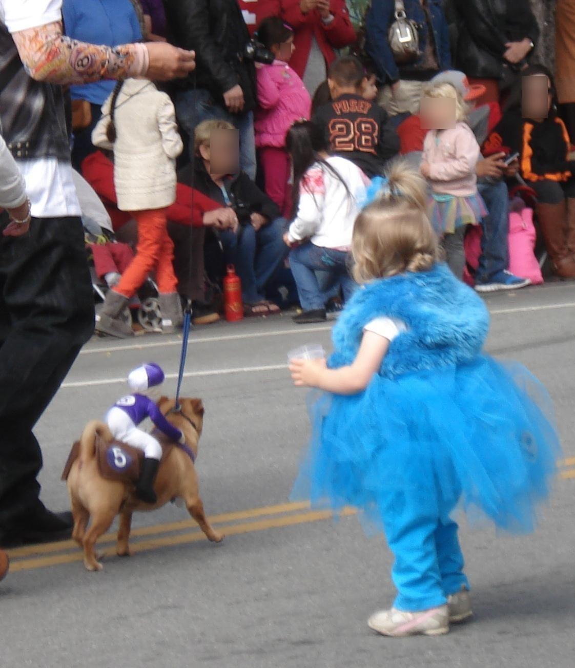 パレードではハロウィンを先取りした仮装も!
