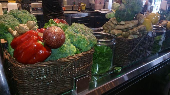 野菜と果実をたっぷり搾ったジュースが美味しい!