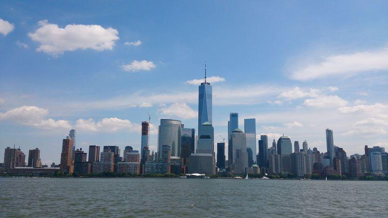 NYCからたった4分で隣のNJ州へ!対岸からマンハッタン摩天楼を臨む