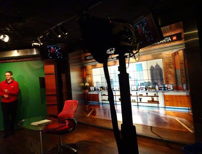 CNNニュースの舞台裏をのぞいてみよう!