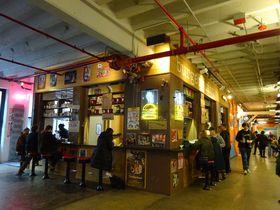 NYCブルックリン「インダストリーシティ」のフードホールとアートが熱い!