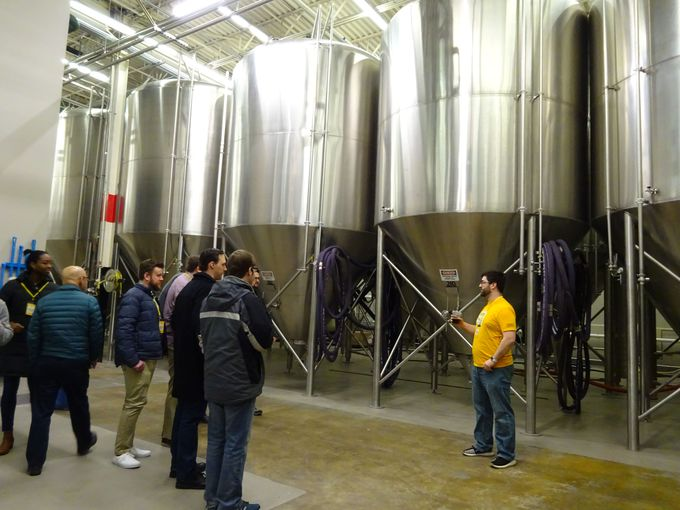 ビール片手に気軽に楽しむ!ヤーズの工場ツアー