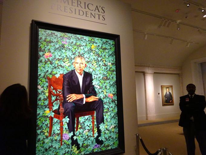まずはオバマ大統領夫妻の肖像画をチェック!