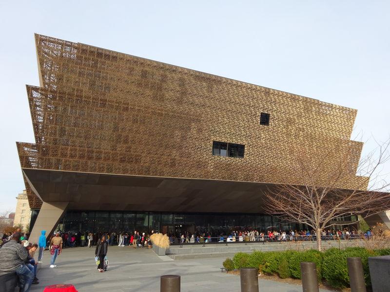 ワシントンDCの新名所「国立アフリカンアメリカン歴史文化博物館」