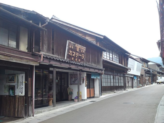 岩村町で有名な「松浦軒本舗」の加寿天以羅(カステーラ)