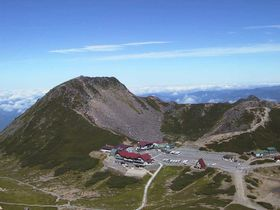 平湯温泉をベースに乗鞍岳山頂を目指す軽登山 3000mからの絶景が気軽に見られます!