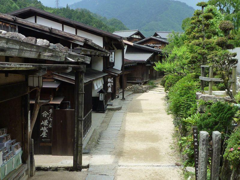 江戸時代の町並みが残る「妻籠宿」は早朝や夕方の風景が最高!