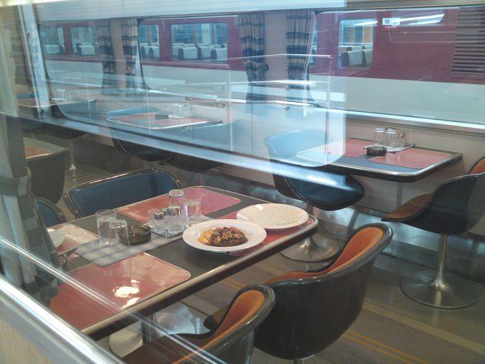 新幹線の食堂車で食べると、当時はリッチな気分になれました☆