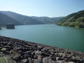 ダム好き必見!中部地方を代表する「岩屋ダム」と「牧尾ダム」を巡る旅で人気のダムカードもゲット!