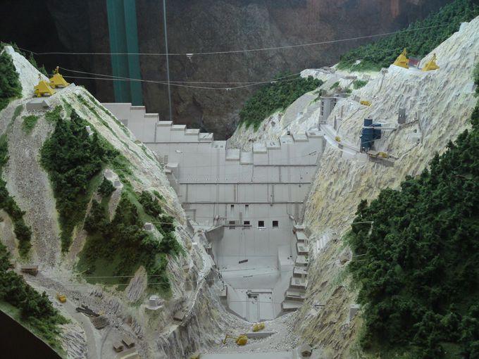 「佐久間電力館」はダム建設の工事の様子についての知識が深まります