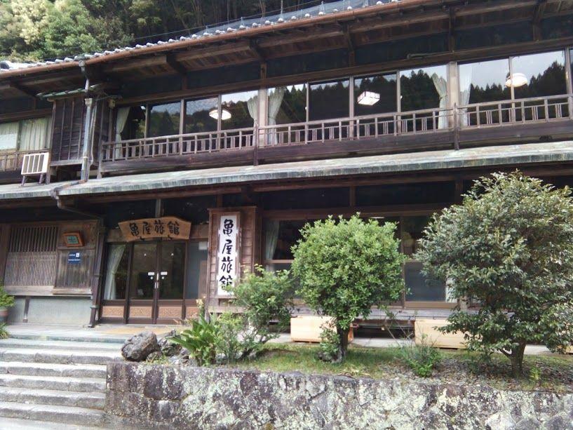 川からお湯が沸き出る和歌山県の「川湯温泉」から出発