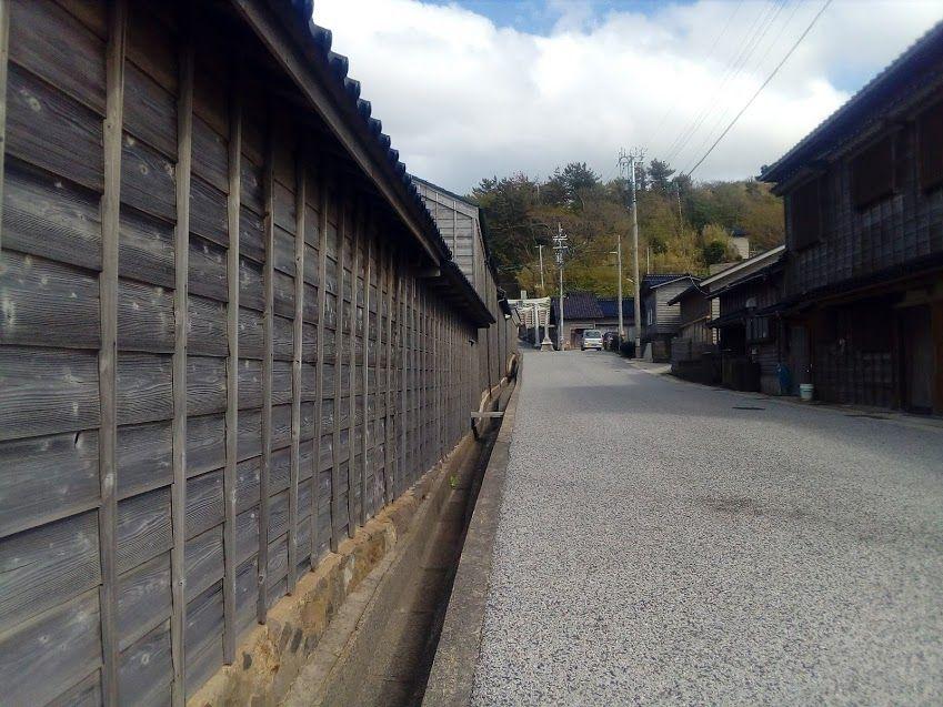 能登半島地震後に重伝建に選定された黒島地区の街並み