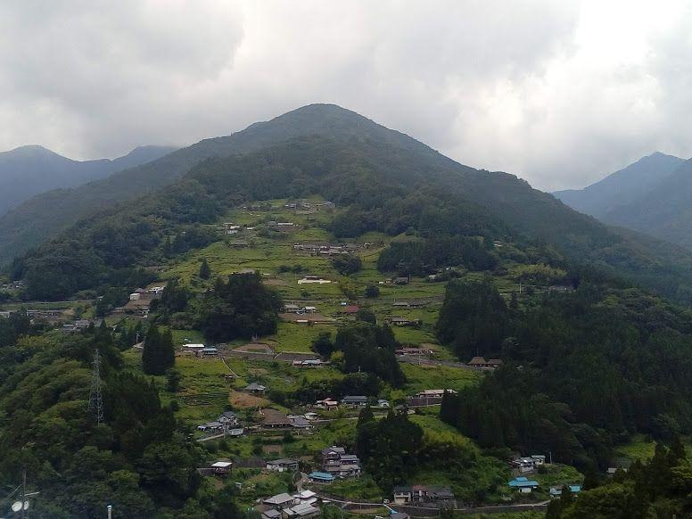 日本三大秘境ともいわれる祖谷峡と重伝建落合集落
