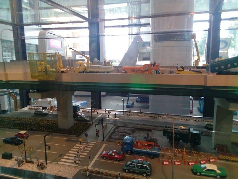 リアルなジオラマで名古屋高速の詳細を紹介