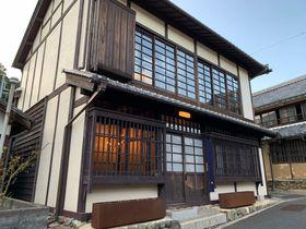 町並み保存地区にある一棟貸しの贅沢宿 愛媛「内子の宿 織」