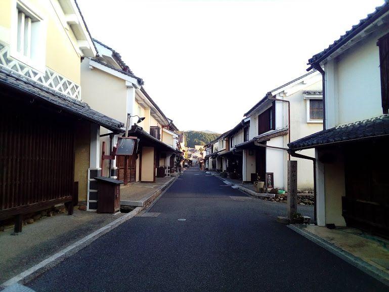 内子の町並み保存地区に溶け込む、町屋を利用した宿「織」