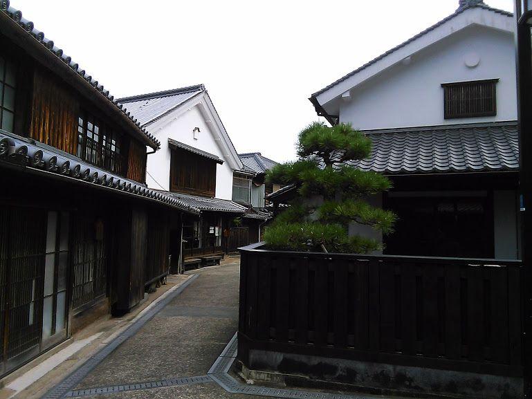 江戸時代から続く町並みが続く保存地区