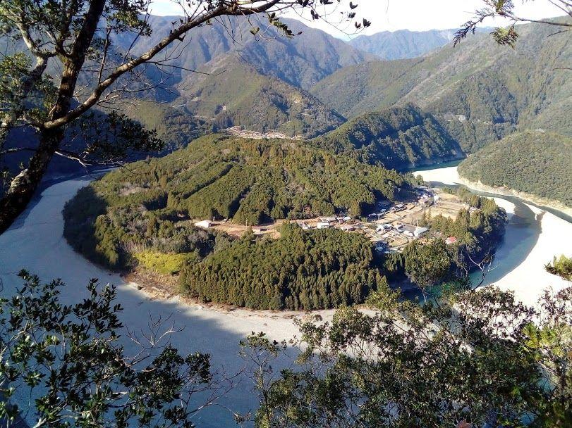 絶景のパワースポット 三重県熊野「木津呂」集落の眺め
