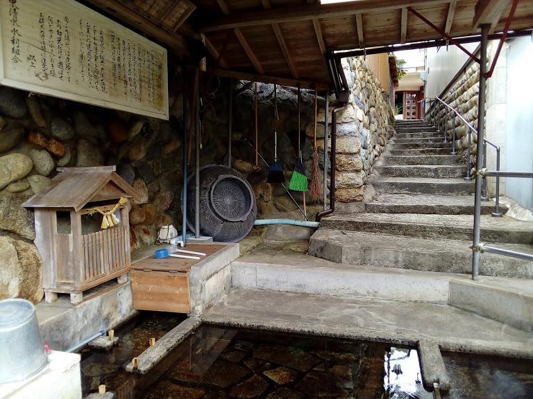 飛騨川の伏流水を湧水として利用
