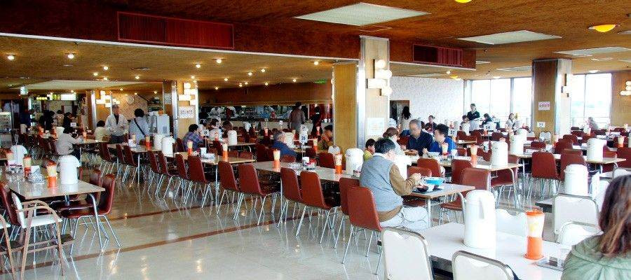 創業60年の老舗デパートに今も残る最上階の「展望大食堂」