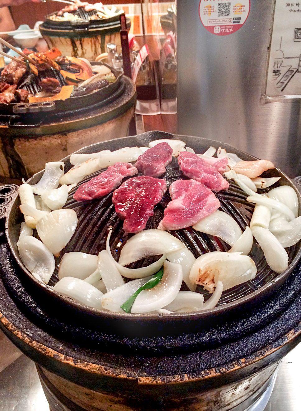 二軒目は、夜の札幌すすきので味わう「夜空のジンギスカン」