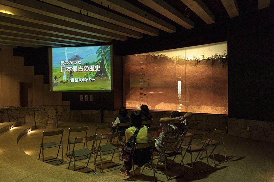 遺構保護観察施設「岩宿ドーム」