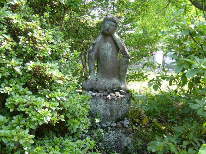 堀辰雄が愛した半伽思惟像を探してみてください