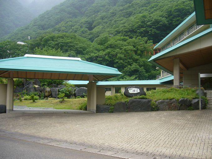 ヒスイ浪漫あふれる三峡にひっそりと名湯の隠れ里「姫川温泉」