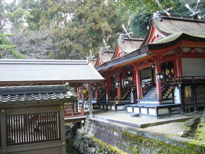 河内国一ノ宮であり、元春日と呼ばれる古社「枚岡神社」