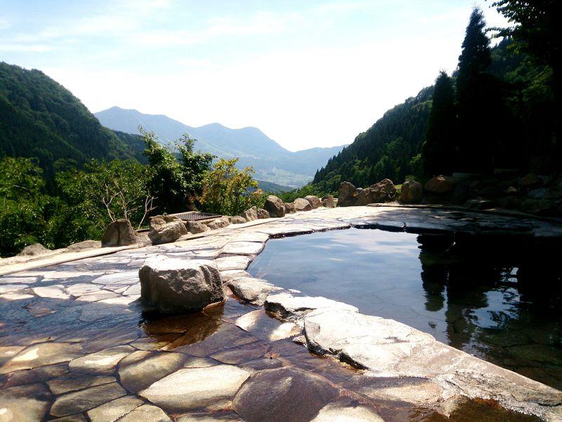 景色と名湯のベストマッチ!北信州 絶景日帰り露天風呂5選