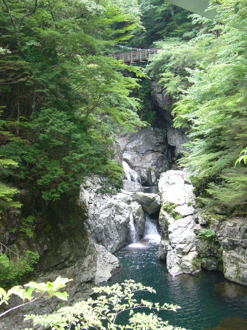 奈良県天川村「みたらい渓谷」と隠れ湯の里「洞川温泉」を満喫ハイキング