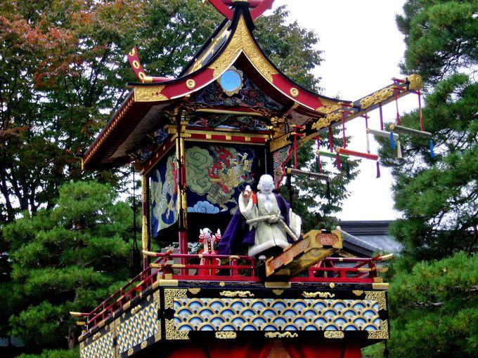 秋祭りの見ものは最高傑作との誉れ高い「布袋台」の「からくり奉納」