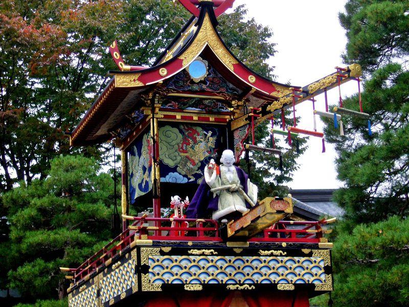 岐阜・秋の高山祭(八幡祭)は歴史と伝統あふれる美祭の舞台